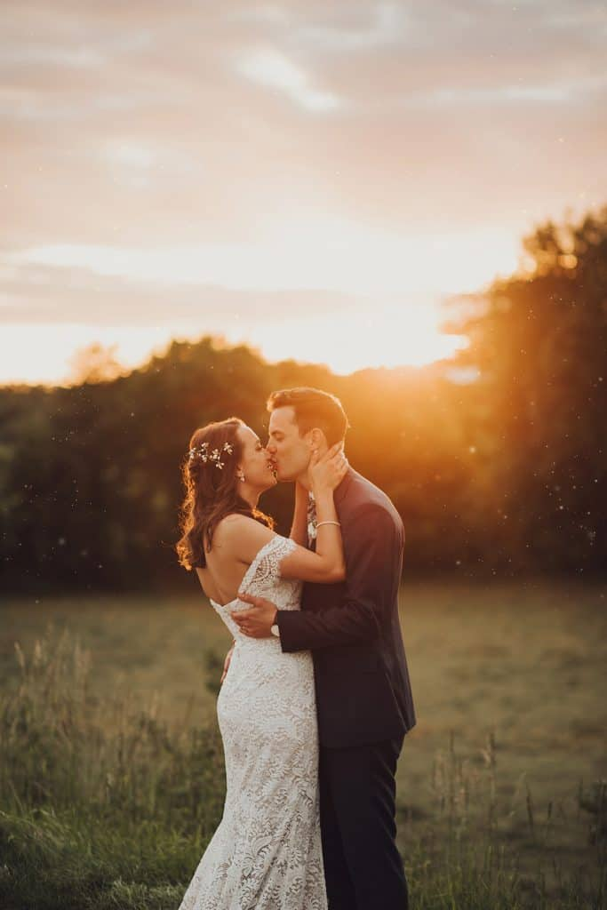 golden sunset wedding photos